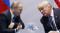 """Donald Trump gặp Vladimir Putin để """"yên"""" Nga, """"bình"""" Trung Quốc?"""