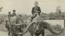 Những bức hình đen trắng về tuổi thơ của trẻ em Việt Nam xưa (P1)