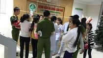 Học sinh trường Hương Lung đi bệnh viện sau bữa trưa