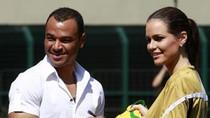 Huyền thoại bóng đá Brazil giữa 'rừng' Hoa hậu hoàn vũ