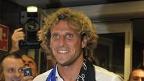 Thành Milan rộn ràng đón Diego Forlan