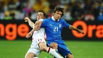 Thơ bình luận Anh - Italia: Tam sư:  cay đắng -  tủi hờn - tóc tang