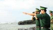 Ảnh: Bộ đội biên phòng tuần tra ở hòn đảo tiền tiêu giữa Biển Đông
