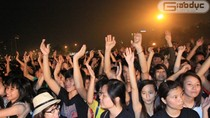 Clip hàng nghìn bạn trẻ cuồng nhiệt với Gangnam Style ở Mỹ Đình