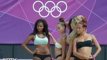 """""""Bỏng mắt"""" với dàn hoạt náo viên sexy tại Olympic 2012"""