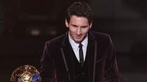 """Đoạt Quả bóng Vàng, Messi được """"dát vàng"""" cả đôi chân"""
