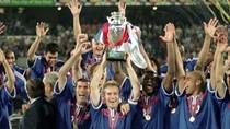 Trezeguet 'đánh ra vàng' cho nước Pháp