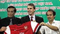 Premier League 6 A.M: Arsenal háo hức cho chuyến đi Việt Nam