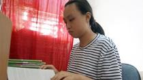 Gặp cô học trò nghèo bỏ dở giấc mơ đại học đi làm công nhân