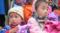 Ám ảnh những ánh mắt của trẻ em Pả Vi