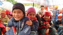 Chùm ảnh: Học sinh Chí Viễn hân hoan giao lưu trong ngày mưa giá rét