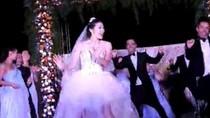 Clip: Cô dâu nhảy Gangnam Style điệu nghệ trong lễ cưới
