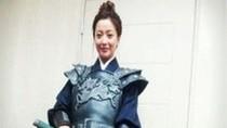 Kim Hee Sun mặc giáp sắt, tuốt trường đao