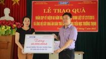 Báo Giáo dục Việt Nam tặng quà nhân kỷ niệm 68 năm ngày thương binh liệt sỹ