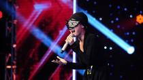 Cô gái đeo mặt nạ khiến khán giả X-Factor bật khóc là ca sĩ giả danh