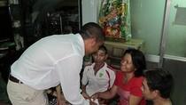 Lực sỹ Văn Mách thăm Tết nhà VĐV khuyết tật