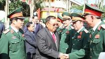 Tổng Bí thư, Chủ tịch nước Lào Bun-nhăng Vo-La-chít thăm Bộ tư lệnh Quân khu 4