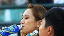 Bổ sung nước uống vận động có muối khoáng để đối phó với thời tiết nắng nóng