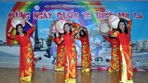 Cộng đồng người Việt ở Đức liên hoan chào mừng ngày Quốc tế thiếu nhi