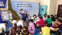 Vinamilk Sure Prevent chăm sóc sức khỏe cho 1.500 người cao tuổi