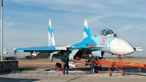 Ảnh đẹp trong ngày: Khi Su-27 lắp đầy tên lửa không đối không dưới cánh