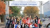 Lưu học sinh Việt Nam tại Nga chào đón những sinh viên mới