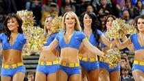 Ngất ngây trước vẻ đẹp bốc lửa của các cô nàng hoạt náo viên NBA