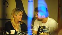Bữa tối lãng mạn của Pique và bà bầu Shakira