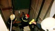 Ai chịu trách nhiệm khi công nhân chết thảm vì thang máy?