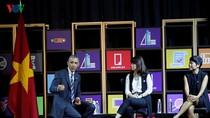 Tổng thống Obama gặp gỡ các doanh nghiệp trẻ tại TP. Hồ Chí Minh
