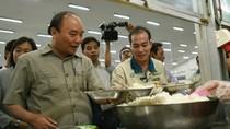 Thủ tướng dành hàng giờ đồng hồ trò chuyện, dùng cơm với công nhân