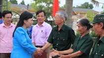 Bộ trưởng Bộ Y tế tri ân các gia đình thương binh, gia đình liệt sỹ ở Hà Tĩnh