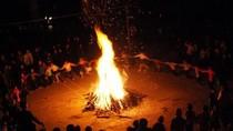 Video lửa trại xóa màn đêm lạnh giá cao nguyên đá Mèo Vạc