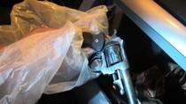 Video: Phát hiện súng trên xe ô tô của giang hồ Hà thành