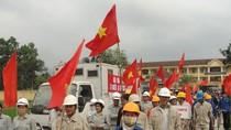 Làm gì để tăng cường vệ sinh, an toàn lao động cho năm 2013