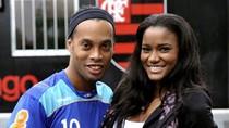 Tân Hoa hậu hoàn vũ nóng bỏng bên Ronaldinho