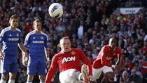 Pha đá penalty trượt vỏ chuối hài hước của Rooney