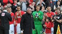 M.U đánh bại Sunderland, Ferguson có quà mừng 'đám cưới bạc'