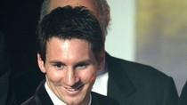 Giành Quả bóng vàng FIFA 2011, Messi đã đuổi kịp Platini