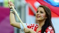 Nữ cổ động viên xinh đẹp Croatia gây sốt trước ngày rời EURO 2012