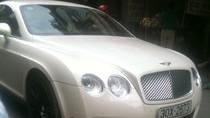 Siêu xe Bentley giá chục tỷ dạo chơi giữa chiều Thu Hà Nội