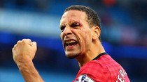 Góc ảnh: Mặt Rio Ferdinand tứa máu vì đòn thù của fan cuồng Man City