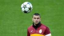 Atletico tiễn Falcao, mua gấp Burak Yilmaz