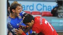Liverpool 'hổ thẹn' vì Suarez: 'Kẻ ăn thịt người' sẽ bị bán?