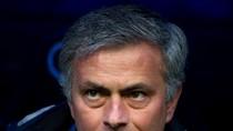Mourinho nghịch ngợm như trẻ nhỏ