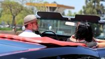 Justin Timberlake lái xế cổ 50 năm tuổi đưa bạn gái dạo phố