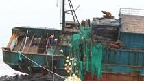 Xác tàu cá Trung Quốc bị bão đánh chìm trên biển Hàn Quốc