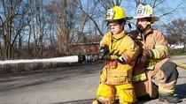 Lính cứu hỏa thấp nhất thế giới