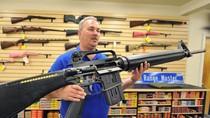 Dân Mỹ đổ xô đi mua súng sau khi Obama tái đắc cử