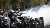 Đấu súng với người biểu tình 1 cảnh sát Thái thiệt mạng, 14 bị thương